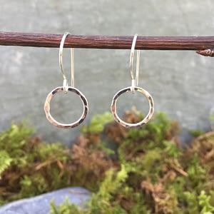 simplicity circles earrings